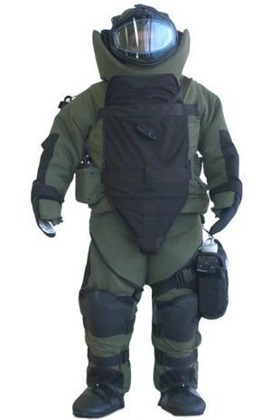 Uniform bomb suits standard being developed | Homeland